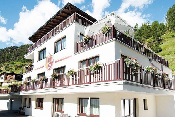 csm-guardi-roma-balkon-braun-c0a8ba7e4983A46C24-365E-B60F-9EE2-B3DDABC20813.jpg